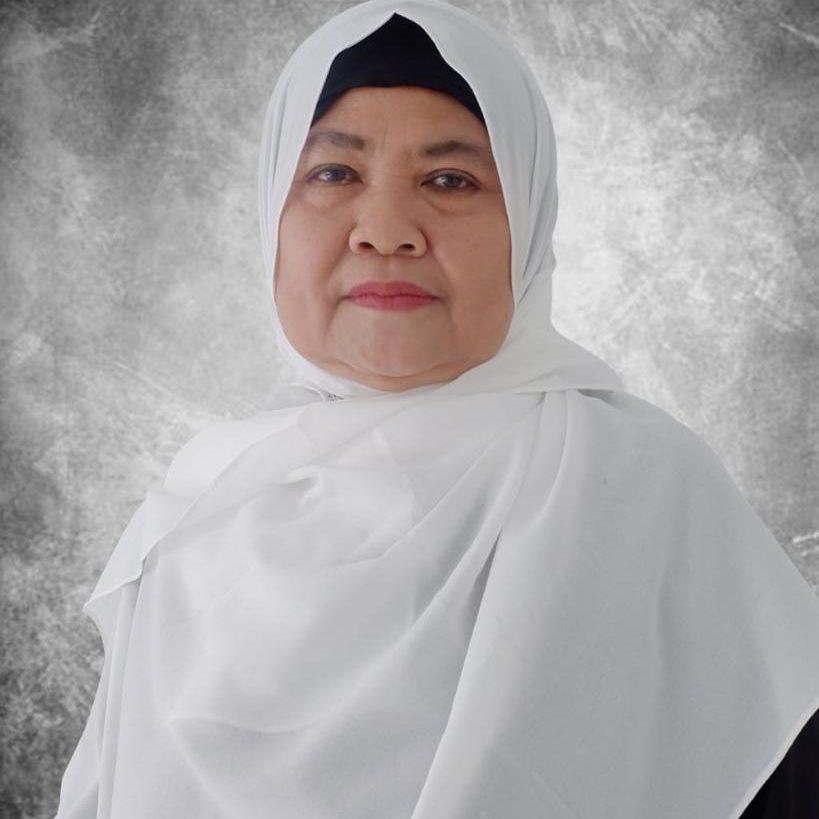 Hj. Eti Herawati (Pembina Yayasan)